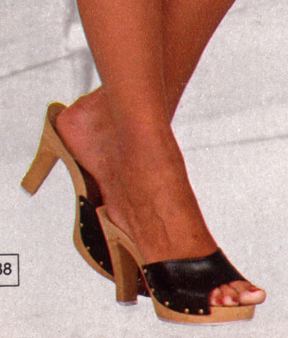 black-wooden-mules-1979-b