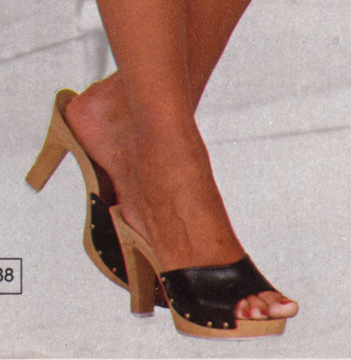 black-wooden-mules-1979